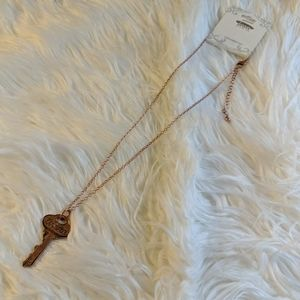 Icon collection vintage style key necklace